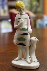 Девочка с олененком