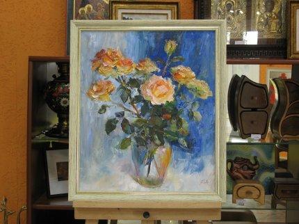 Розы на синем