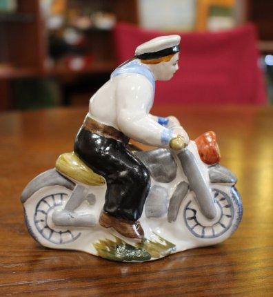 Морячок на мотоцикле