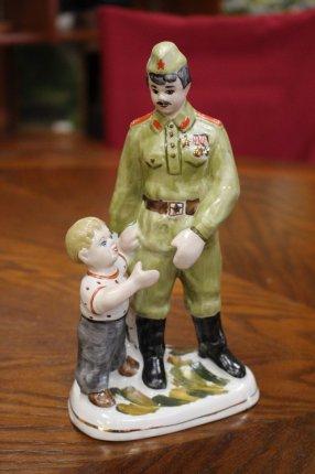 Солдат с ребенком